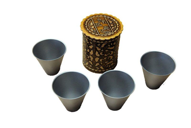 Набор титановых стаканчиков 4 шт. в берестяном туеске